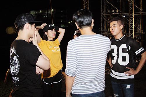 dong nhi cham chi tap luyen cho liveshow den tan 4 gio sang - 5