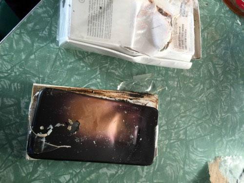 phat hien vo chiec apple iphone 7 phat no - 1