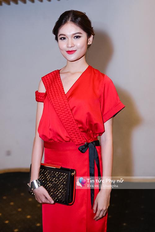 tham do elle show: ban gai cuong do la kin bung van lan at cac sao viet - 4