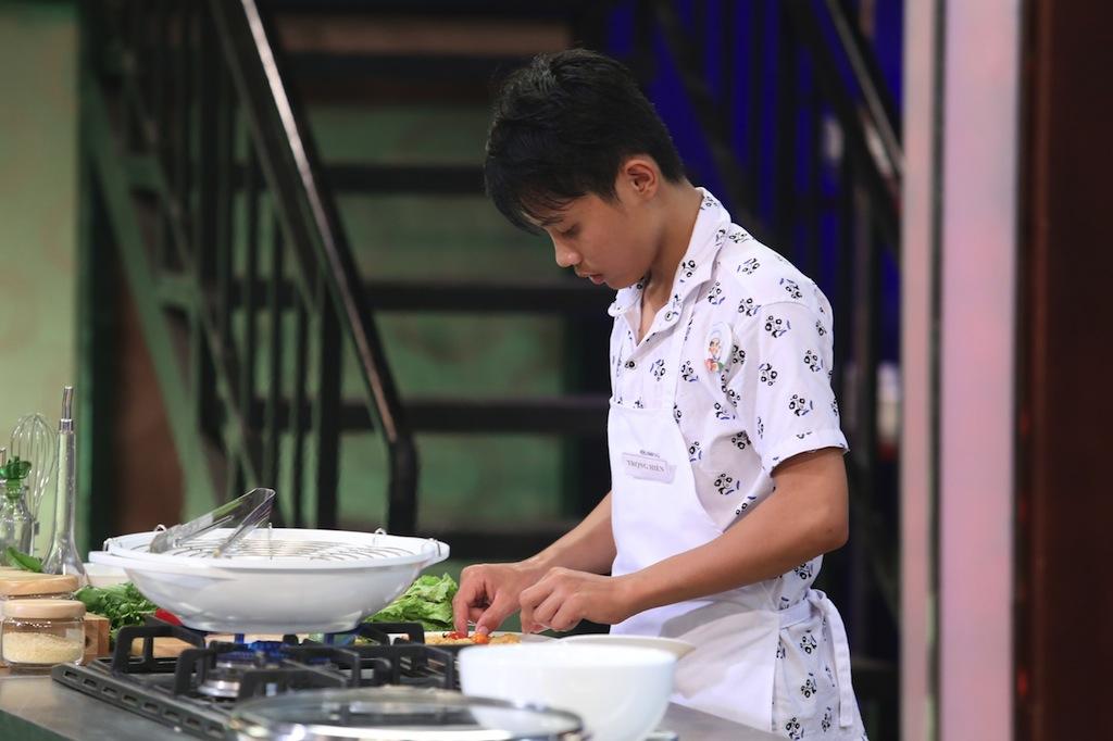 "vua dau bep nhi tap 1: ""thi xong con thay that thanh than"" - 15"