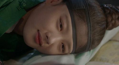 may hoa anh trang tap 13: kim yoo jung trao nguoi yeu nu hon tu biet - 4