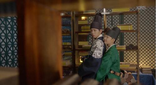 may hoa anh trang tap 13: kim yoo jung trao nguoi yeu nu hon tu biet - 5