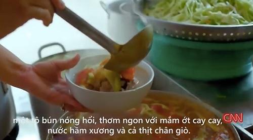 """quan """"bun chui"""" ha noi len cnn: niem """"tu hao trong ngoac kep"""" - 1"""