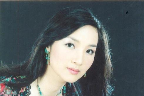Thời trang sao Việt xưa: Kinh ngạc vì người đẹp này gần như không thay đổi suốt 20 năm qua-11