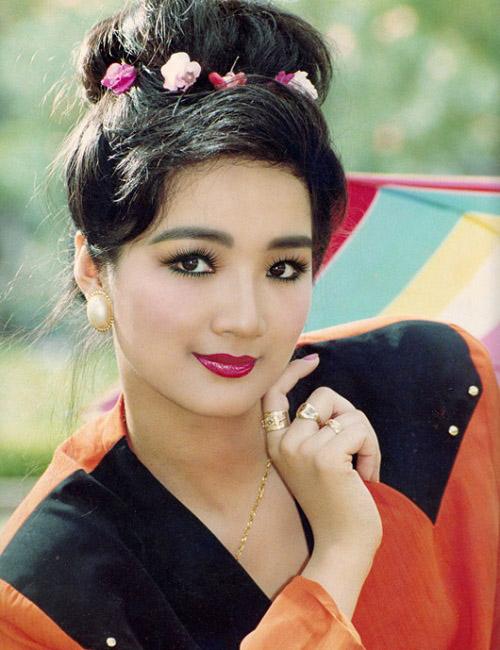 Thời trang sao Việt xưa: Kinh ngạc vì người đẹp này gần như không thay đổi suốt 20 năm qua-4