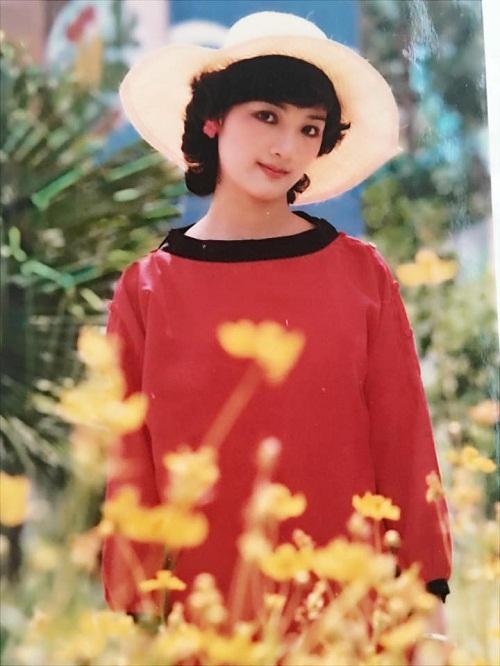 Thời trang sao Việt xưa: Kinh ngạc vì người đẹp này gần như không thay đổi suốt 20 năm qua-6