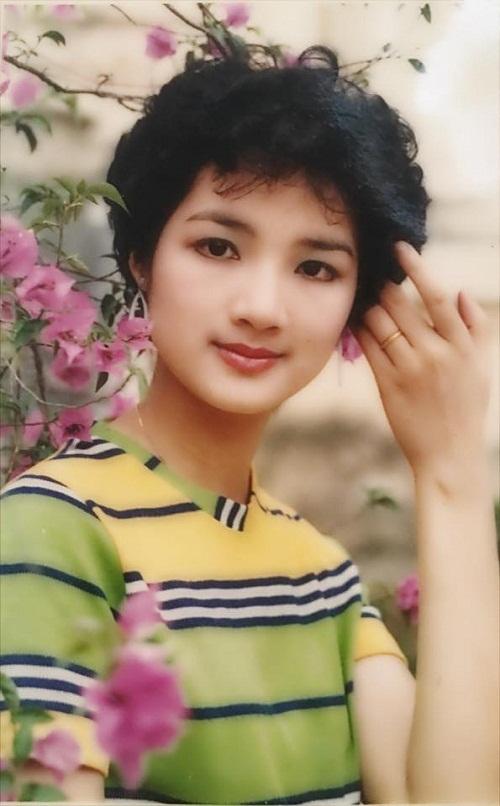 Thời trang sao Việt xưa: Kinh ngạc vì người đẹp này gần như không thay đổi suốt 20 năm qua-9