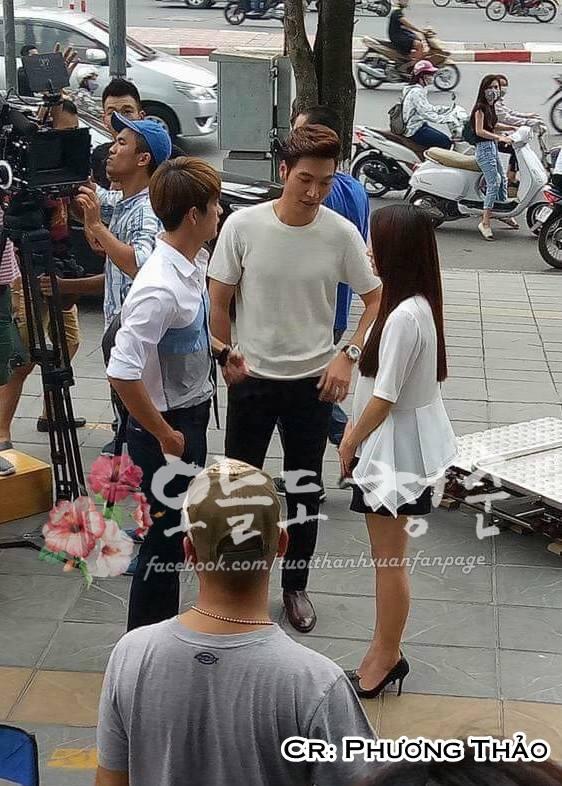 """Kang Tae Oh ôm chầm Nhã Phương trước mặt """"kẻ thứ ba"""" Mạnh Trường-3"""