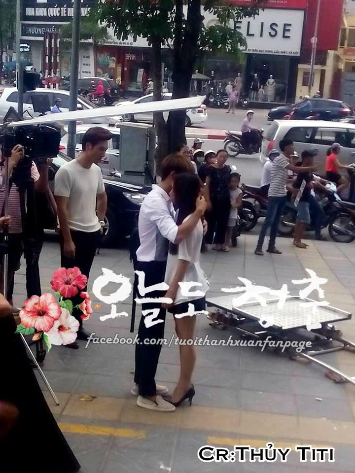 """Kang Tae Oh ôm chầm Nhã Phương trước mặt """"kẻ thứ ba"""" Mạnh Trường-4"""