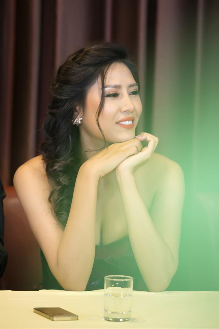 Nguyễn Thị Loan phản pháo nghi vấn tu sửa nhan sắc trước khi thi hoa hậu - 7