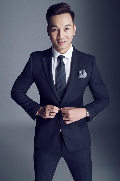 Không ngại đầu tư hàng hiệu, MC Thành Trung ngày càng đắt show-10
