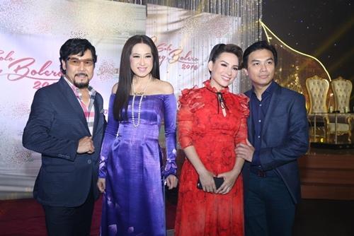 Phi Nhung tình cảm ngả đầu vào vai Mạnh Quỳnh-10