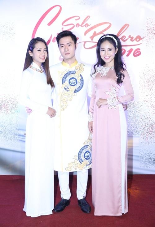 Phi Nhung tình cảm ngả đầu vào vai Mạnh Quỳnh-19