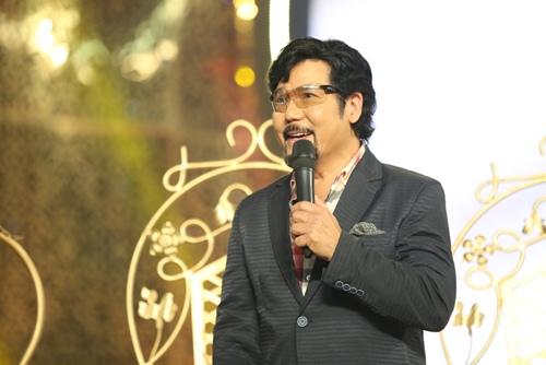 Phi Nhung tình cảm ngả đầu vào vai Mạnh Quỳnh-11