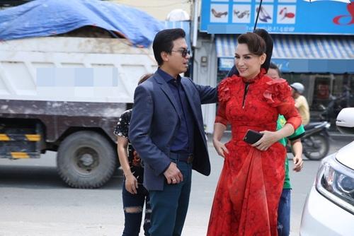 Phi Nhung tình cảm ngả đầu vào vai Mạnh Quỳnh-1