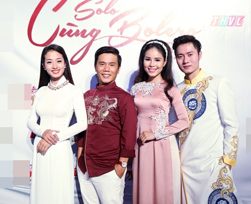 Phi Nhung tình cảm ngả đầu vào vai Mạnh Quỳnh-18