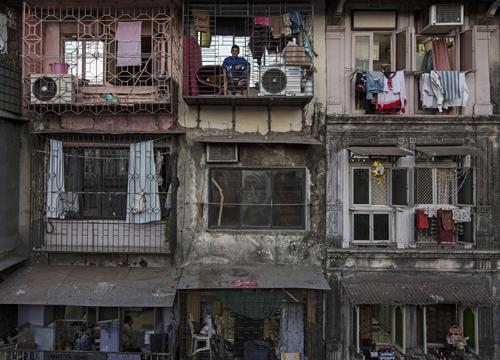 Bí mật trong những căn nhà nhỏ hơn WC trên khắp thế giới - 2