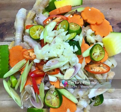 Cách làm chân gà trộn xoài xanh siêu ngon hút nghìn like của mẹ Việt-4