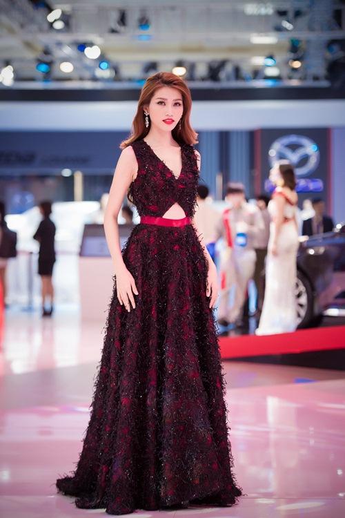 Dù sốt cao, Quỳnh Châu vẫn tự tin đọ vẻ gợi cảm cạnh Kim Chi-3