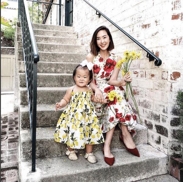 Không bàn cãi nữa, đây chính là cặp mẹ con mặc đẹp nhất nhì làng thời trang - 12