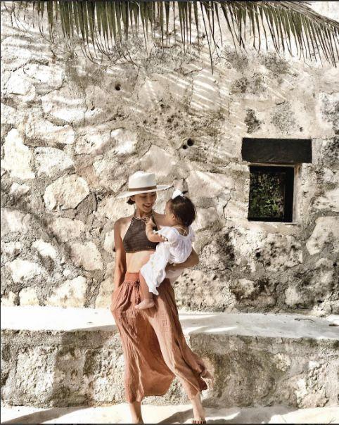Không bàn cãi nữa, đây chính là cặp mẹ con mặc đẹp nhất nhì làng thời trang - 7