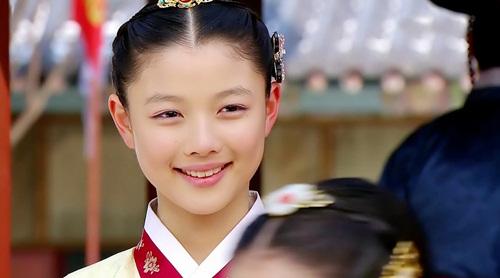 """Đừng giật mình nếu bạn biết """"nữ thần nhí"""" Kim Yoo Jung đã đóng từng này phim-5"""