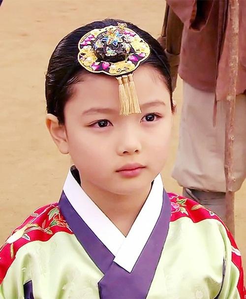 """Đừng giật mình nếu bạn biết """"nữ thần nhí"""" Kim Yoo Jung đã đóng từng này phim-3"""