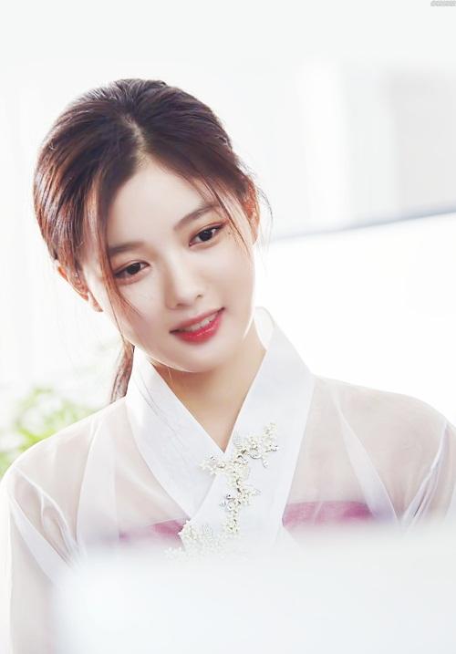 """Đừng giật mình nếu bạn biết """"nữ thần nhí"""" Kim Yoo Jung đã đóng từng này phim-1"""