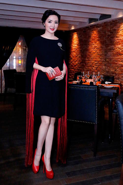 Hoa hậu Giáng My đẹp kiêu sa đọ sắc cùng Đặng Thu Thảo-6