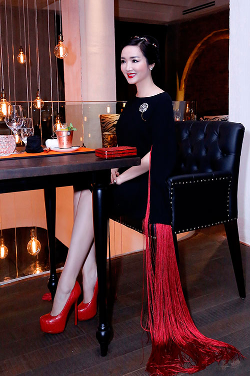 Hoa hậu Giáng My đẹp kiêu sa đọ sắc cùng Đặng Thu Thảo-5