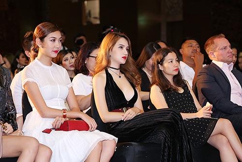 """Hương Giang Idol quyến rũ """"không đối thủ"""" trong sự kiện mới-9"""