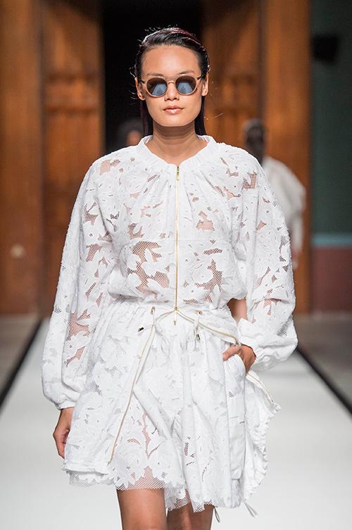 le thanh thao trung 2 show tai paris fashion week - 7