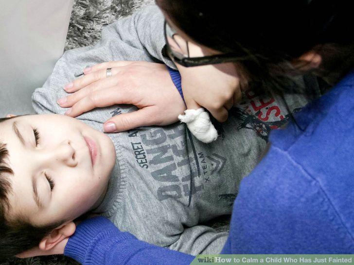 10 dấu hiệu nguy hiểm cha mẹ cần đưa trẻ đi khám bệnh ngay lập tức-8