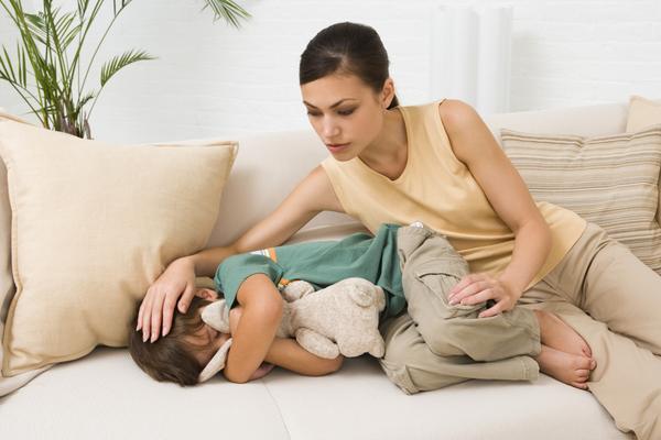 10 dấu hiệu nguy hiểm cha mẹ cần đưa trẻ đi khám bệnh ngay lập tức-5