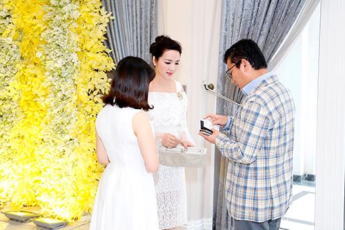 """Hoa hậu Giáng My tinh khôi khoe """"nhan sắc không tuổi""""-2"""