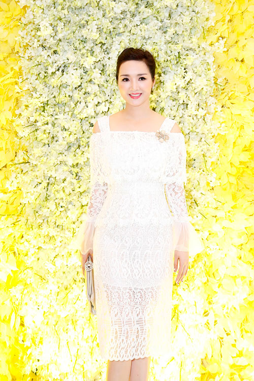 "hoa hau giang my tinh khoi khoe ""nhan sac khong tuoi"" - 1"