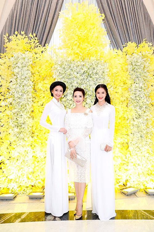 "hoa hau giang my tinh khoi khoe ""nhan sac khong tuoi"" - 3"