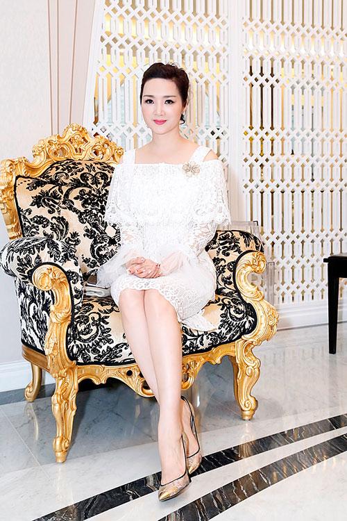 """Hoa hậu Giáng My tinh khôi khoe """"nhan sắc không tuổi""""-7"""