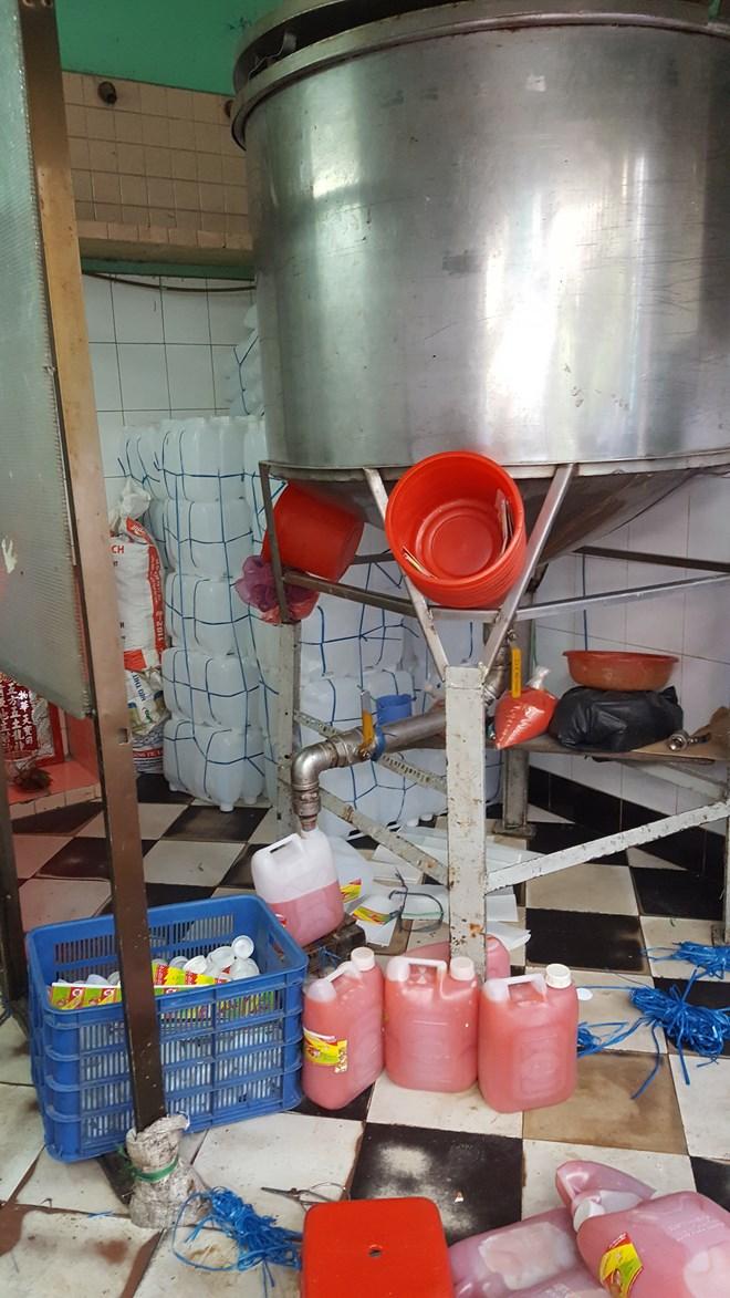 Kinh hoàng công nghệ sản xuất tương ớt