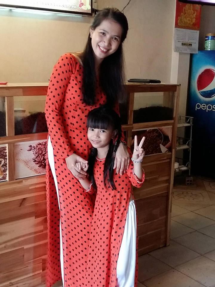 Mẹ đơn thân và câu chuyện vừa làm bố làm mẹ chăm con gái - 1