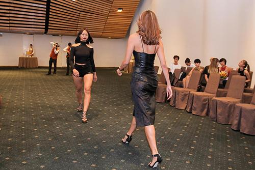 Mặc đùi to, Mai Ngô vẫn diện quần ngắn cũn cỡn - 4