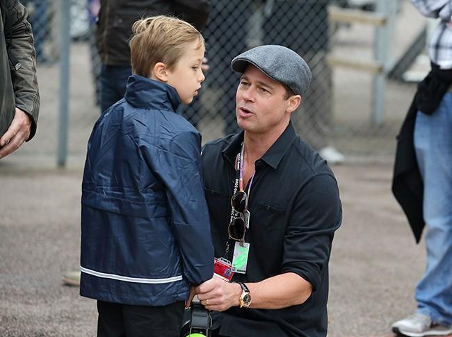 Ngôi sao 24/7: Brad Pitt bật khóc, ôm con vào lòng khi lần đầu được gặp lại-4