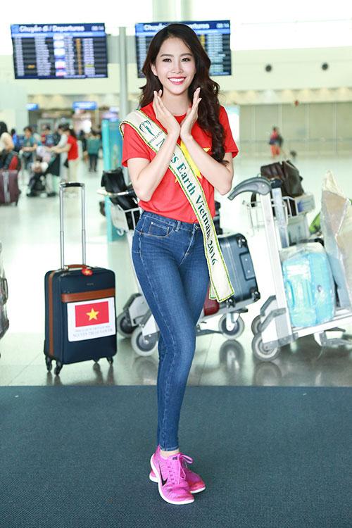 Nam Em gây chú ý với 11 valy hành lý tại sân bay-7