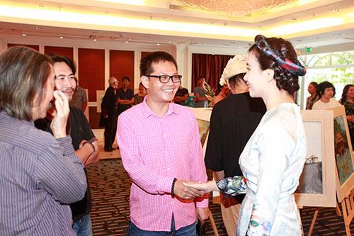 Nhạc sĩ  Trần Tiến, Trung Hiếu trẻ trung đến chúc mừng Lương Giang-4