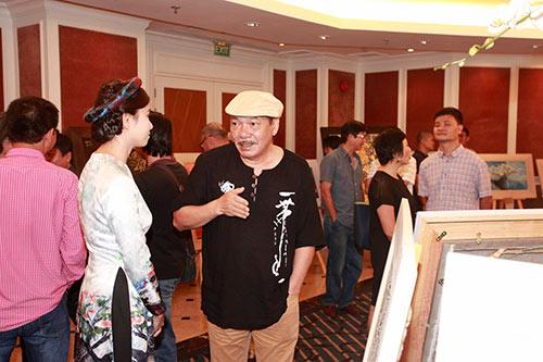 Nhạc sĩ  Trần Tiến, Trung Hiếu trẻ trung đến chúc mừng Lương Giang-5