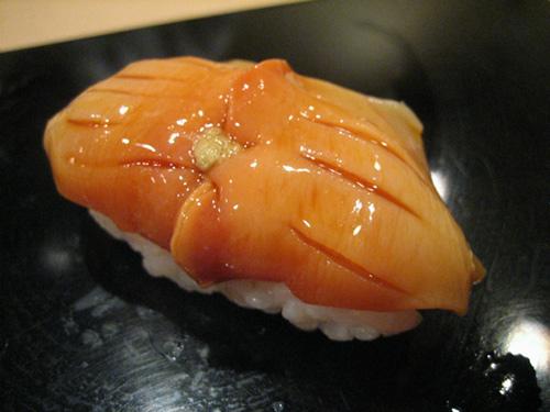 tiem sushi chi co 10 ghe ma beckham, obama cung phai xep hang ghe tham - 7