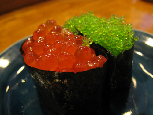 tiem sushi chi co 10 ghe ma beckham, obama cung phai xep hang ghe tham - 9