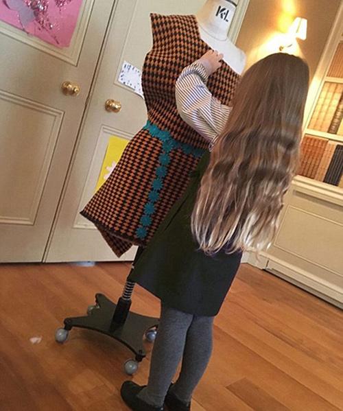 Victoria đã hối hận vì đi giày cao gót lúc mang bầu 9 tháng-3