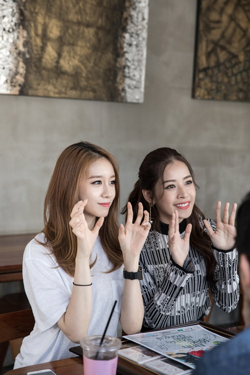 Ji-yeon (T-ara) ôm ấp Chi Pu và muốn đóng phim tại Việt Nam-10