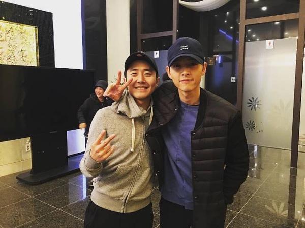 """song joong ki, song hye kyo """"ngo lo"""" voi giai thuong """"emmy cua han quoc"""" - 1"""